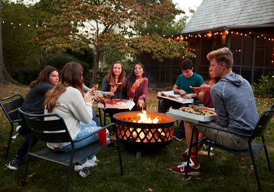Fall Is In The Air! Liven Up Your Backyard With These Fire Pit Ideas